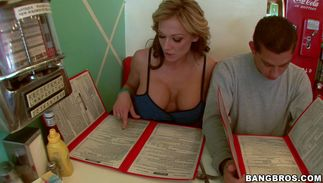 Savory blond gal Nikki Sexx with great tits is in need of boyfriend's large meaty bazooka